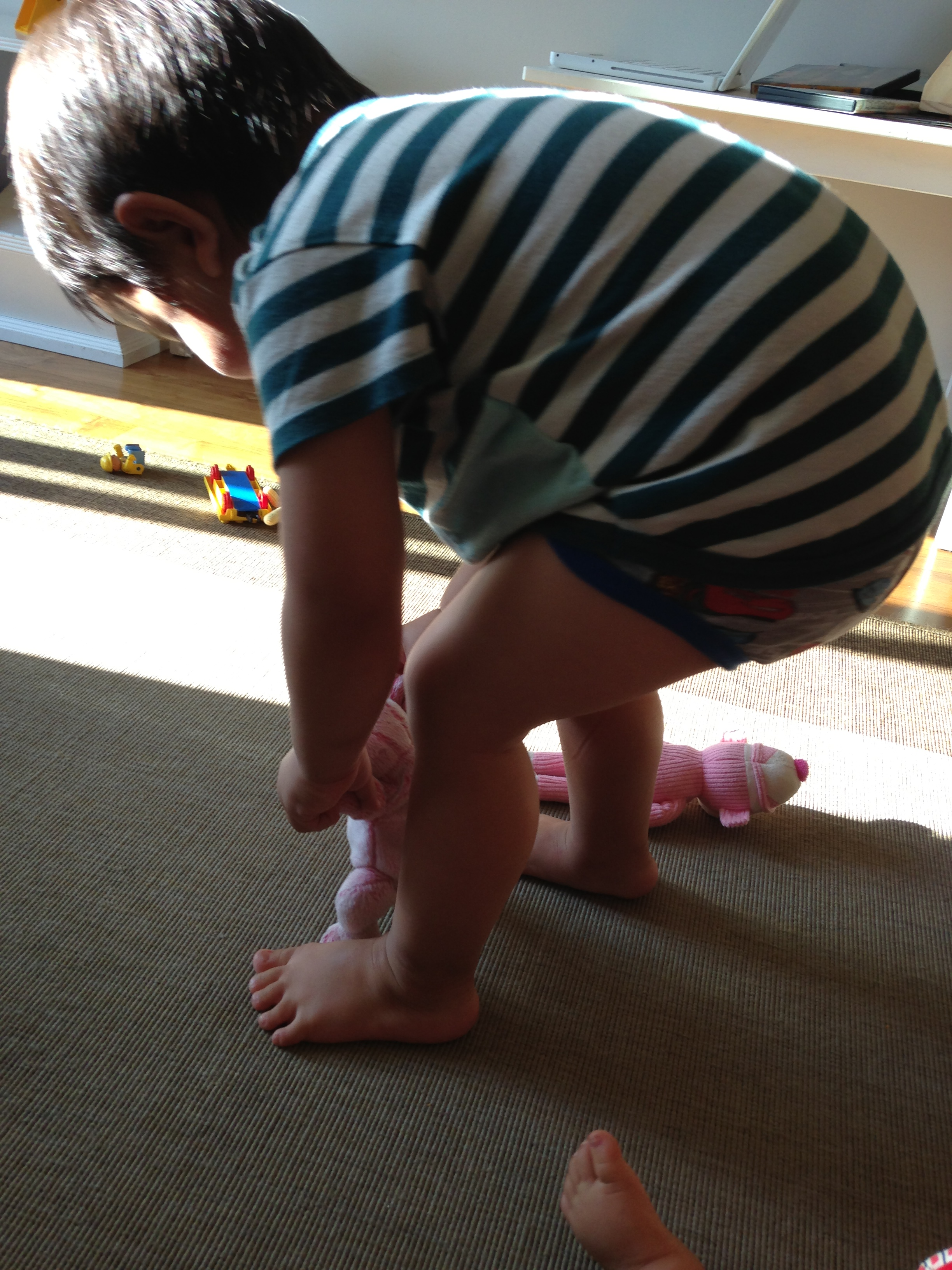 how to teach walking to a baby