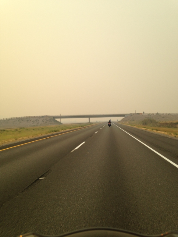 Riding through the smoke from forest fires around Mount Sashta